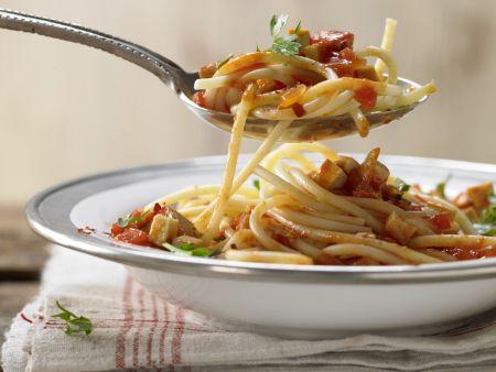 pasta mit tomatensauce rezept eat smarter. Black Bedroom Furniture Sets. Home Design Ideas